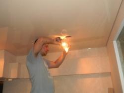 установка натяжного потолка в нашем офисе в Запорожье-8
